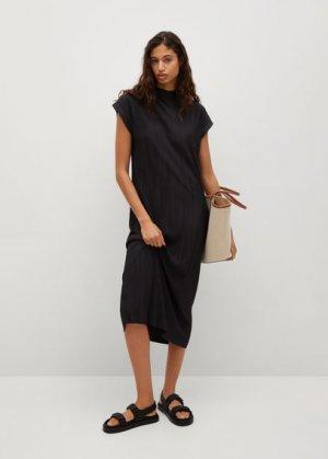 Миди-платье с плиссировкой - Jungle-a Mango. Цвет: черный