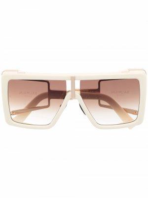 Солнцезащитные очки в квадратной оправе Balmain Eyewear. Цвет: белый