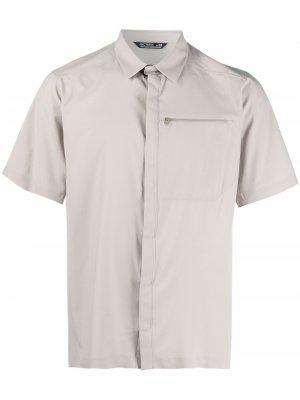 Arcteryx рубашка с короткими рукавами Arc'teryx. Цвет: нейтральные цвета