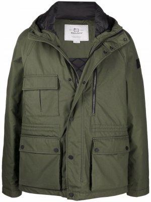 Куртка Mountain с капюшоном Woolrich. Цвет: зеленый
