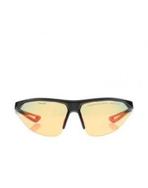 Солнечные очки NIKE. Цвет: черный