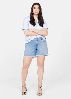 Джинсовые шорты с бахромой по низу - Cris Mango. Цвет: светло-синий