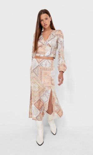 Блуза С Принтом И V-Образным Вырезом Цвет Камня Xs Stradivarius. Цвет: цвет камня