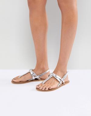 Кожаные сандалии на плоской подошве ASOS FEELS DESIGN. Цвет: серебряный