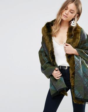 Зеленое свободное пальто в клетку с отделкой искусственным мехом Jayle Jayley. Цвет: зеленый