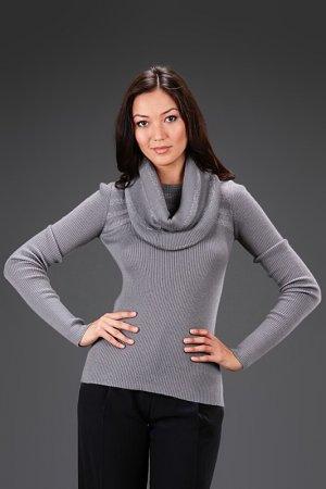 Пуловер с воротником Bill Blass. Цвет: серый