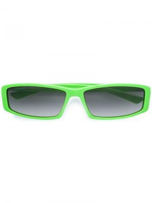 Солнцезащитные очки в прямоугольной оправе Balenciaga. Цвет: зеленый