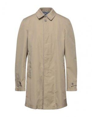 Легкое пальто HERNO. Цвет: бежевый