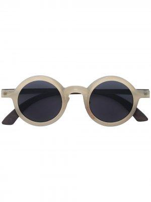 Солнцезащитные очки в круглой оправе из коллаборации с Ziggy Chen Rigards. Цвет: нейтральные цвета