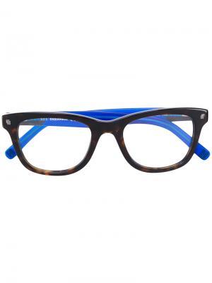 Очки в прямоугольной оправе Dsquared2 Eyewear. Цвет: коричневый