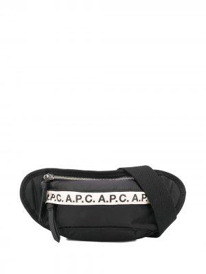 Поясная сумка с логотипом A.P.C.. Цвет: черный