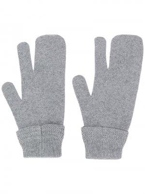 Перчатки с тремя пальцами Maison Margiela. Цвет: серый