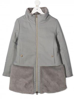 Пальто со вставкой из искусственного меха Herno Kids. Цвет: серый