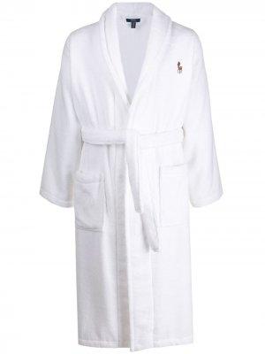 Халат с вышитым логотипом Polo Ralph Lauren. Цвет: белый