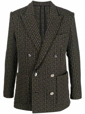 Двубортный пиджак с монограммой Balmain. Цвет: зеленый