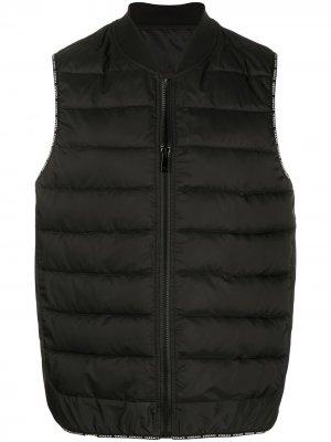 Дутый жилет Versace. Цвет: черный
