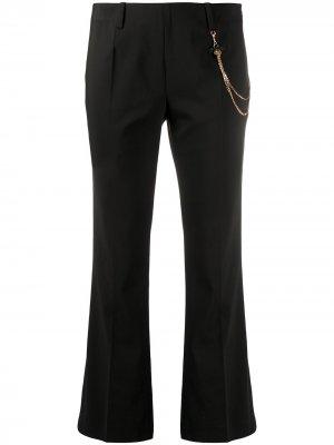 Укороченные расклешенные брюки с цепочкой LIU JO. Цвет: черный