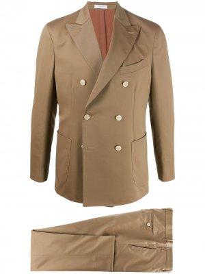 Костюм с двубортным пиджаком Boglioli. Цвет: нейтральные цвета