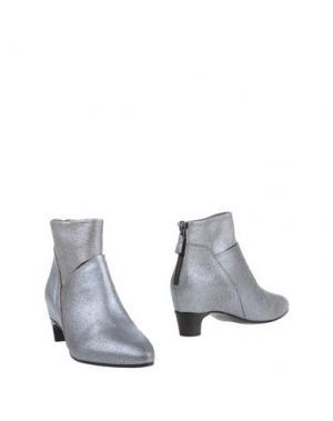 Полусапоги и высокие ботинки ROBERTO DEL CARLO. Цвет: серебристый