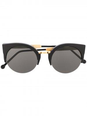 Солнцезащитные очки в оправе кошачий глаз Retrosuperfuture. Цвет: черный