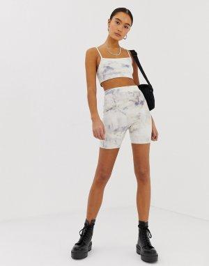 Комбинируемые шорты-леггинсы с мраморным принтом Emory Park. Цвет: белый