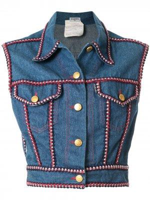 Джинсовая куртка без рукавов с логотипом CC Chanel Pre-Owned. Цвет: синий