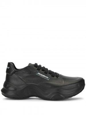 Кроссовки на массивной подошве MISBHV. Цвет: черный