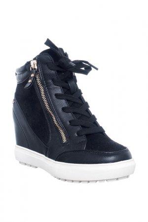 Boots Roccobarocco. Цвет: black