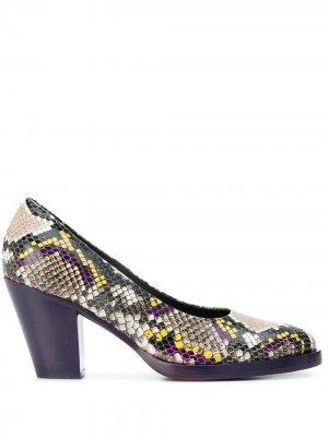 Туфли-лодочки с тиснением под змеиную кожу A.F.Vandevorst. Цвет: фиолетовый