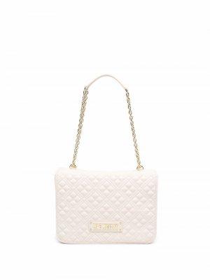 Стеганая сумка на плечо с логотипом Love Moschino. Цвет: нейтральные цвета