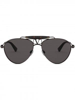 Солнцезащитные очки-авиаторы Valentino Eyewear. Цвет: серый