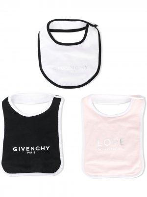 Комплект из трех нагрудников с логотипом Givenchy Kids. Цвет: розовый