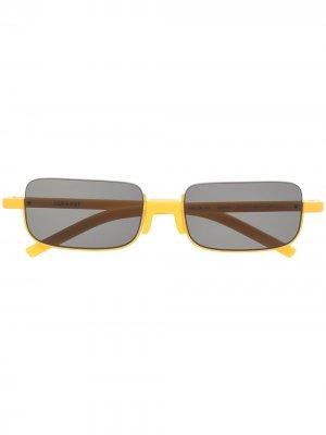 Солнцезащитные очки в прямоугольной оправе AMBUSH. Цвет: желтый