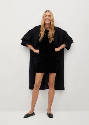 Короткое платье из бархата - Tove-i Mango. Цвет: черный