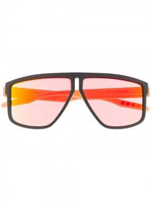 Массивные солнцезащитные очки с логотипом Puma. Цвет: черный