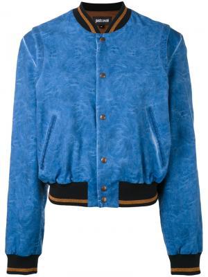 Куртка-бомбер с принтом на спине Just Cavalli. Цвет: синий