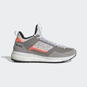Туристические кроссовки Five Ten Tennie Boost adidas. Цвет: белый
