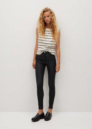 Вощеные джинсы-скинни Noa с завышенной талией - Mango. Цвет: черный