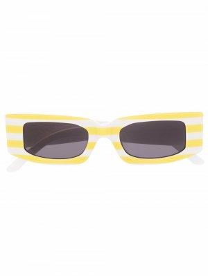 Солнцезащитные очки в квадратной оправе полоску Sunnei. Цвет: желтый