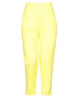Брюки-капри NEERA. Цвет: желтый
