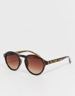 Круглые солнцезащитные очки в черепаховой оправе с цепочкой -Коричневый Bershka