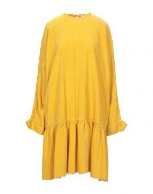 Короткое платье 8PM. Цвет: желтый