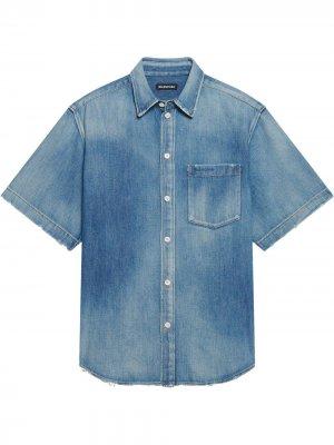 Джинсовая рубашка с короткими рукавами Balenciaga. Цвет: синий