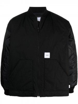 Куртка-бомбер с нашивкой-логотипом WTAPS. Цвет: черный