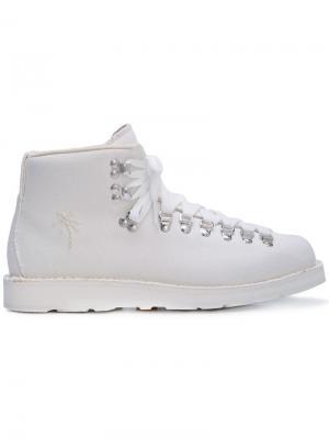 Ботинки с вышитой пальмой Diemme. Цвет: белый