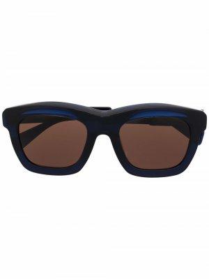 Солнцезащитные очки Berlin в матовой оправе Kuboraum. Цвет: синий