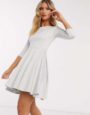 Короткое приталенное платье в полоску с рукавами 3/4 -Белый Closet London