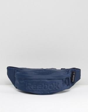 Темно-синяя сумка-кошелек на пояс AJ5937 Reebok. Цвет: темно-синий