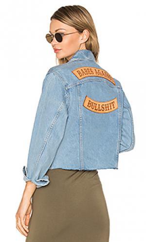 Укороченная джинсовая куртка babes against bullshit Understated Leather. Цвет: none