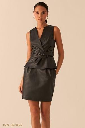 Черная блузка из экокожи с узлом на талии LOVE REPUBLIC